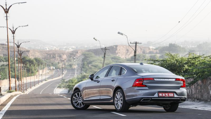 Volvo S90 sedan's Top 5 features detailed