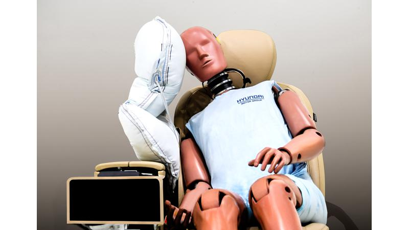 Hyundai Motor Group develops centre side airbag