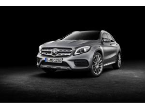 2017 Mercedes-Benz GLA unveiled at the Detroit Motor Show