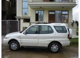 muscle car - Tata Safari