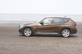 Bmw X1 Exteriors Side Shot With Background