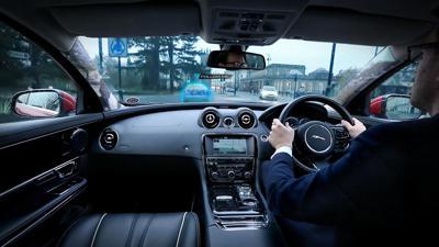 Jaguar land rovers transparent pillar