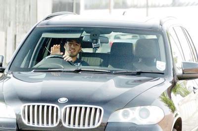 Luis suarez and his car