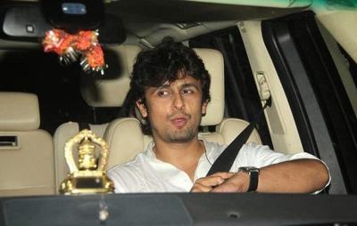 Sonu Nigam with his car