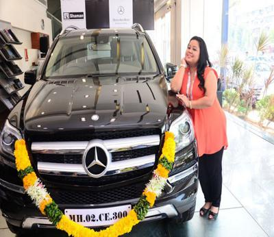 The stylish chemistry of bharti singh with her mercedes-benz gl 350 cdis