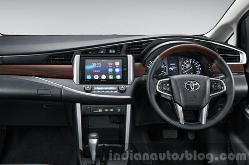 2016 Toyota Innova official image Interior