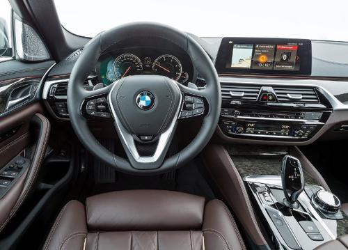 2017 BMW 5 series - 3