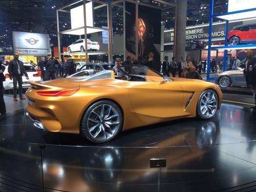 BMW Z4 side