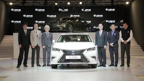 Lexus RX and ES launched