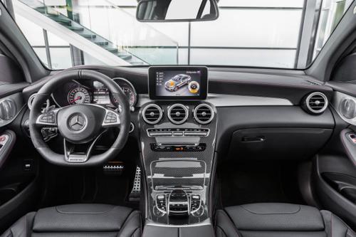 Mercedes-Benz GLC 43AMG cabin