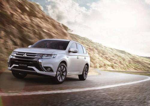 Mitsubishi reveals Outlander PHEV facelift