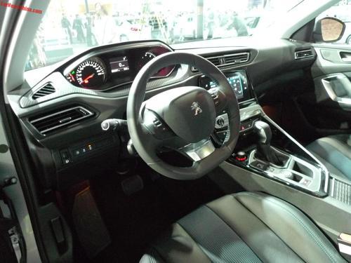 Peugeot 308 cabin