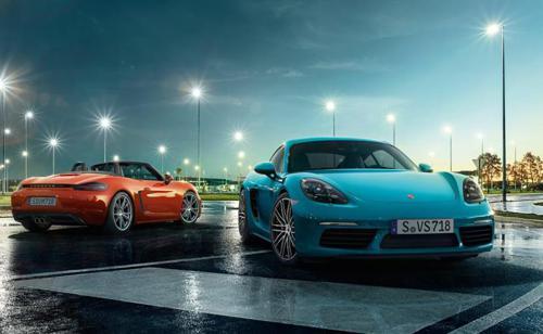 Porsche Boxster Cayman bags 2017 World Performance Car award