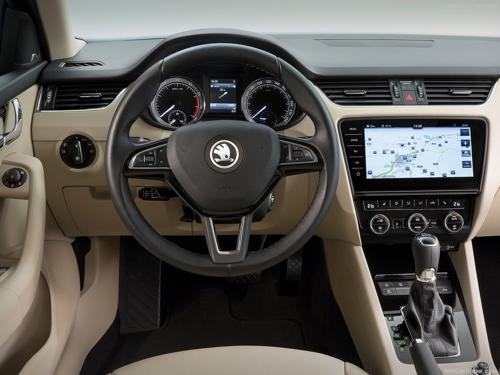 Skoda Octavia facelift interior