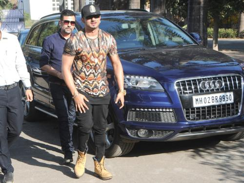 Honey singh with his car