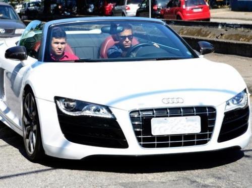 Neymar and his luxury car audi-r8