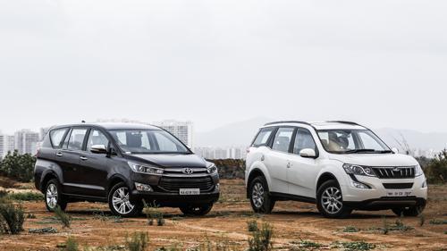 Toyota Innova Crysta Vs Mahindra XUV500-1