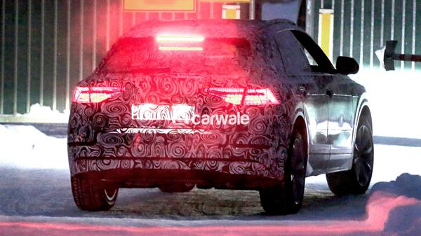First images of the Audi Q8 in its real body 2