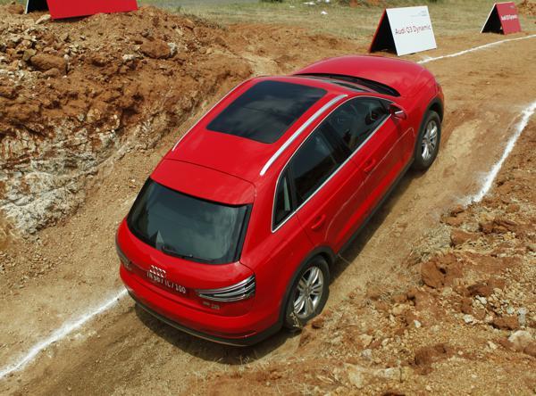 Audi Q3 Dynamic Review - CarTrade