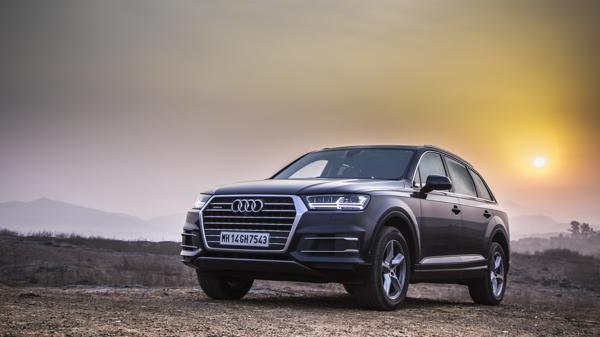Audi Q7 40TFSI Petrol First Drive Review - CarTrade