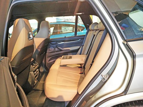 2015 BMW X5M Images 10