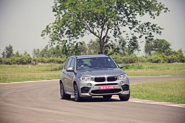 2015 BMW X5M Images 7