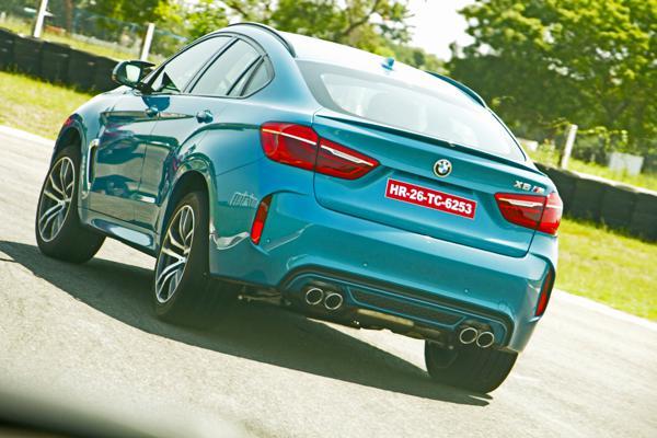 2015 BMW X6M Images 3