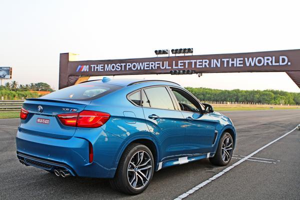 2015 BMW X6M Images 8