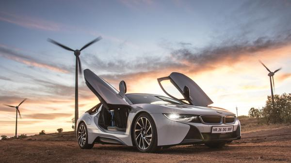 BMW i8 First Drive Review - CarTrade