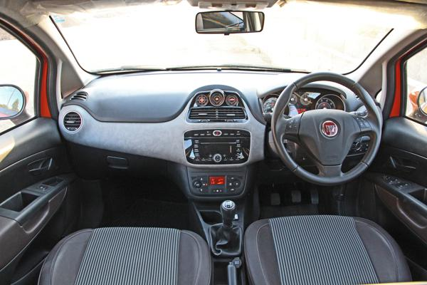 Fiat Avventura Photos 7