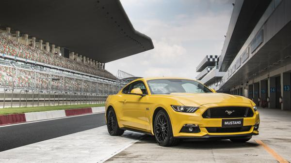Ford Mustang First Drive Review  - CarTrade