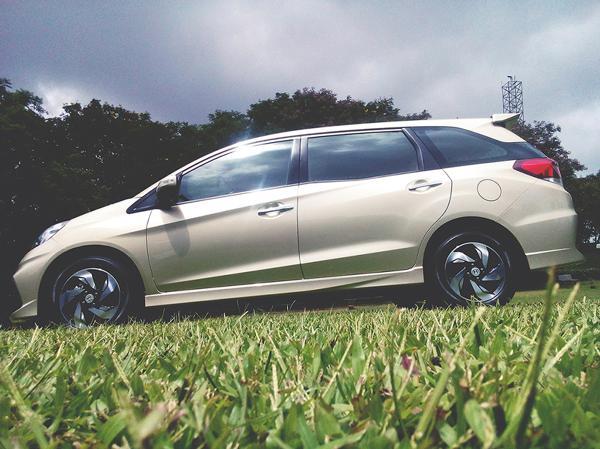 Honda Mobilio Images 6