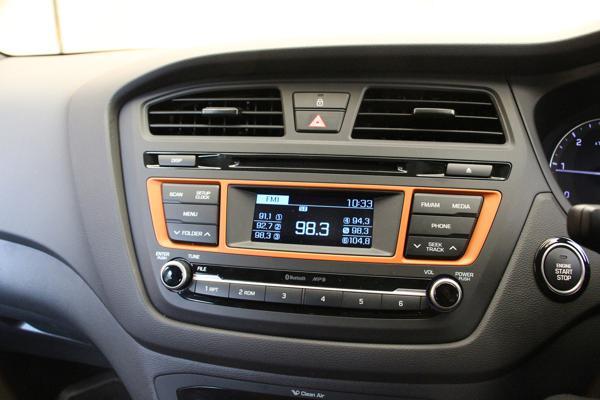 Hyundai i20 Active Photos 27