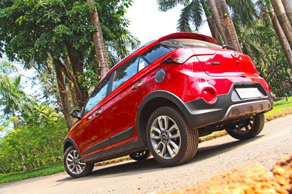 Hyundai i20 Active Pictures 5