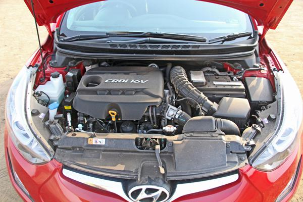 Hyundai Elantra Photos 20