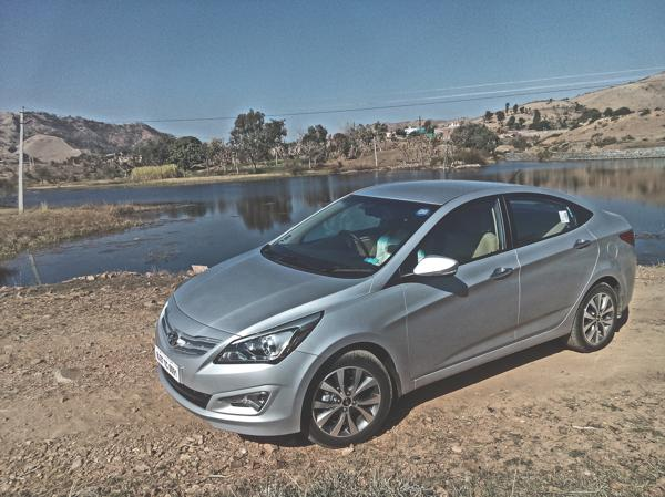 Hyundai Verna Photos 19