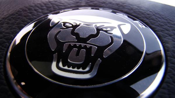 Jaguar XF Images 1