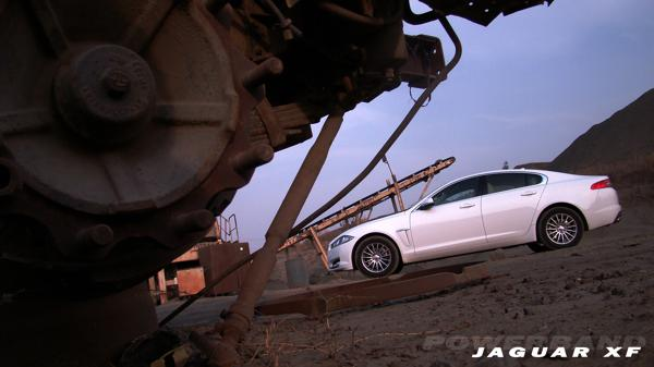 Jaguar XF Pictures 1