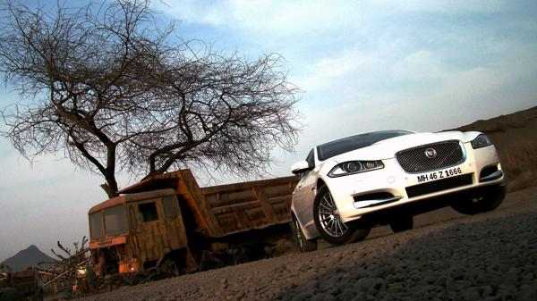 Jaguar XF Pictures 2