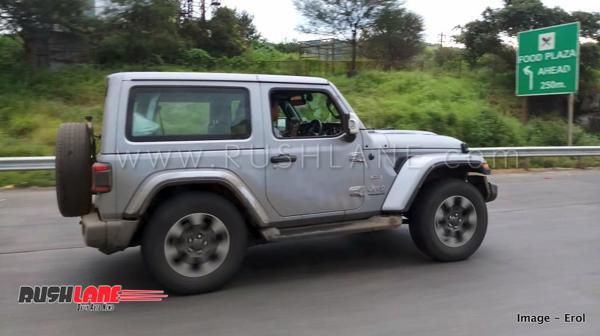 2019-Jeep-Wrangler-three-door-spied