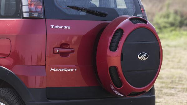 Mahindra_Nuvosport_N8 AMT_89
