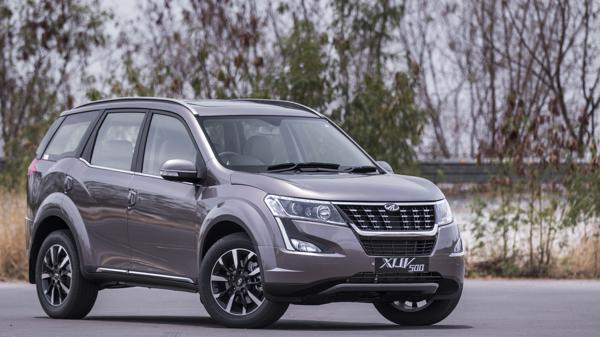 2018 Mahindra XUV500 W11 First Drive Review - CarTrade