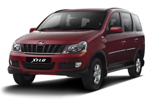 Mahindra Xylo E9 wins 'Variant of the Year' award at 2013 Auto Bild Golden