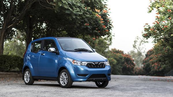 Mahindra e2o Plus First Drive Review  - CarTrade