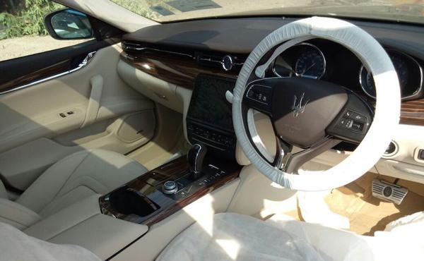 2018-Maserati-Quattroporte-GTS-interior