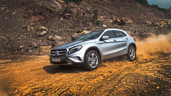 Mercedes Benz GLA Side View