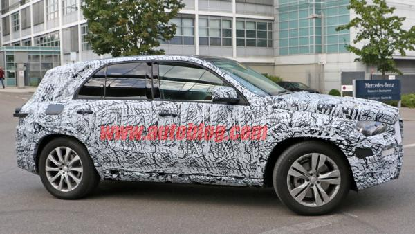 Mercedes-Benz GLE prototype spotted with heavy camouflage