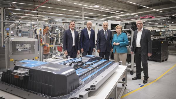 Mercedes-Benz releases their electric mobility plans