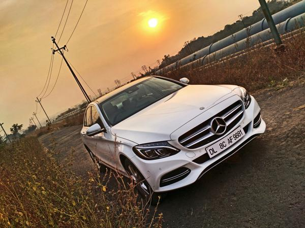 Mercedes Benz C Class Photos 24