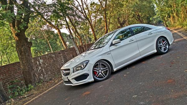 Mercedes Benz CLA45 AMG Photos 10